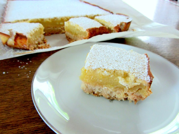 Lemon Bar Served
