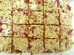 Strawberry oatmeal bars 4