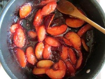 Plum cobbler cooked plum slices
