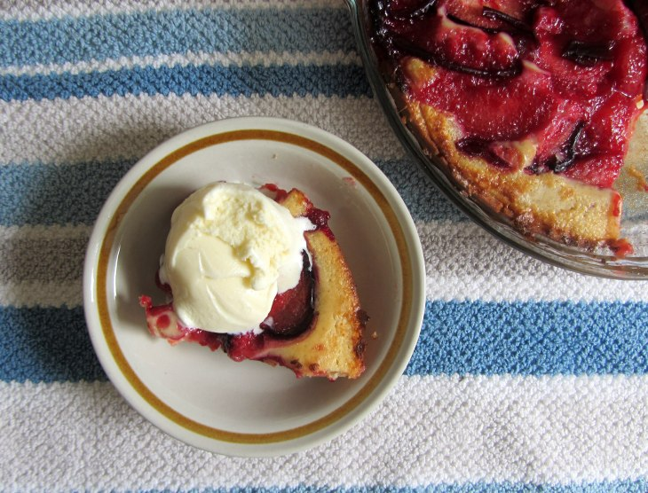 Plum cobbler with ice cream