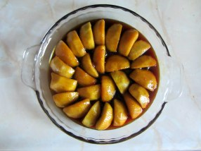 Tarte Tatin apples arranged